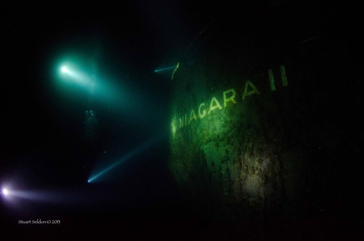 Niagara night Starboard SM © DSC_0396.jpg