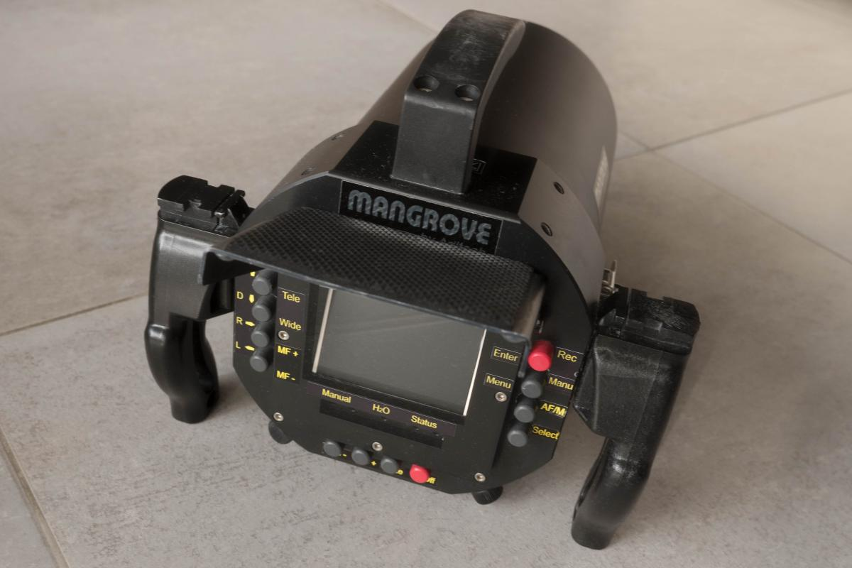 P1033740-2.jpg