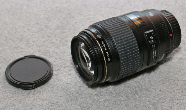 Canon100mmMacroUSMlens1.jpg