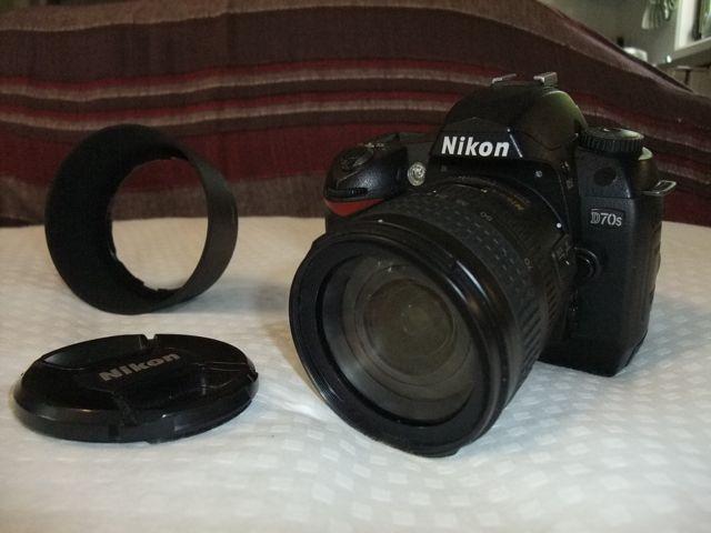 Nikon D70s DSLR camera front view.jpg