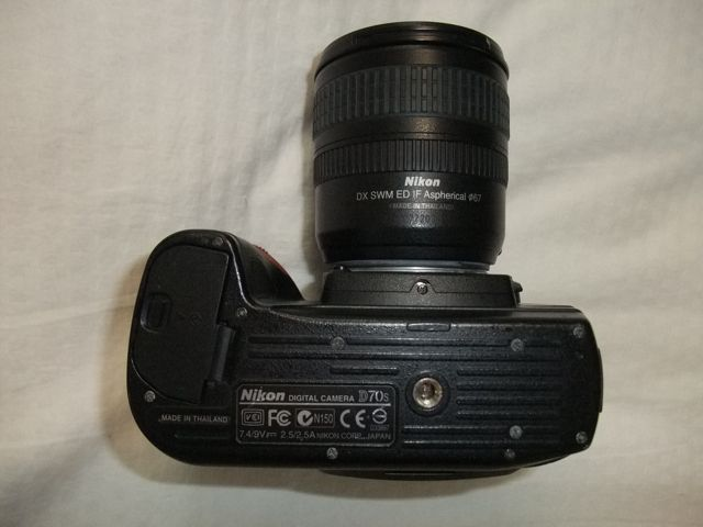 Nikon D70s DSLR camera under side view.jpg