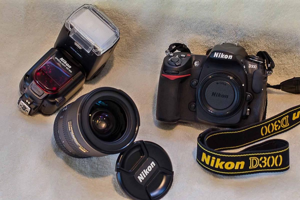 Camera, Lens, Flash  .jpg