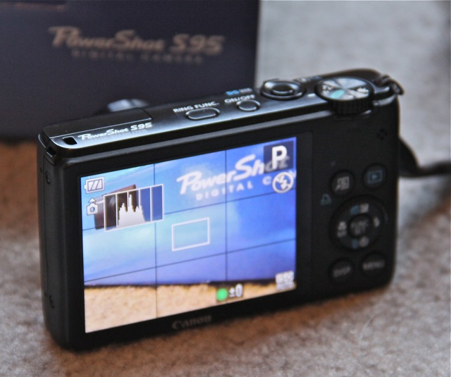 CanonS95LCD.jpg