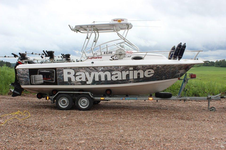 Raymarine 1.jpg