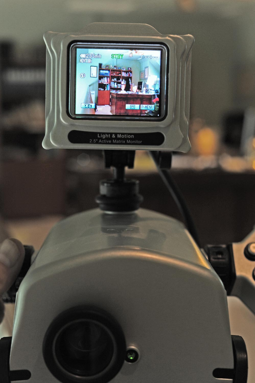 Monitor-1w.jpg