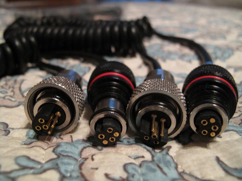 Ikelite sync cord 02.jpg