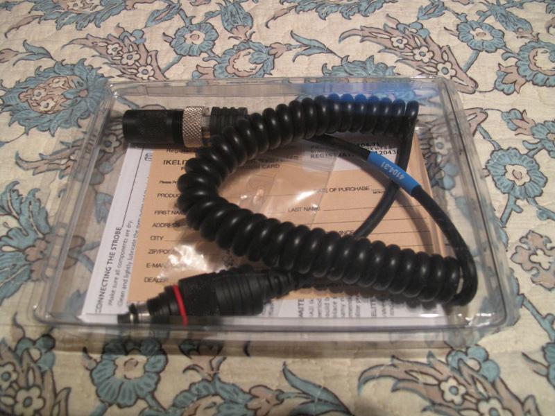 Ikelite sync cord 04.jpg