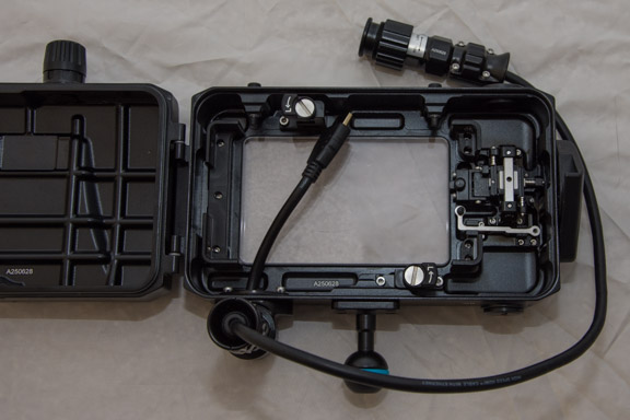 Nauticam_SmallHD_Housing_004.jpg