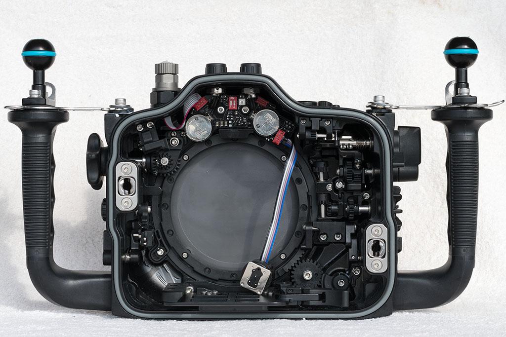 5.NA-D500_inside_front.jpg