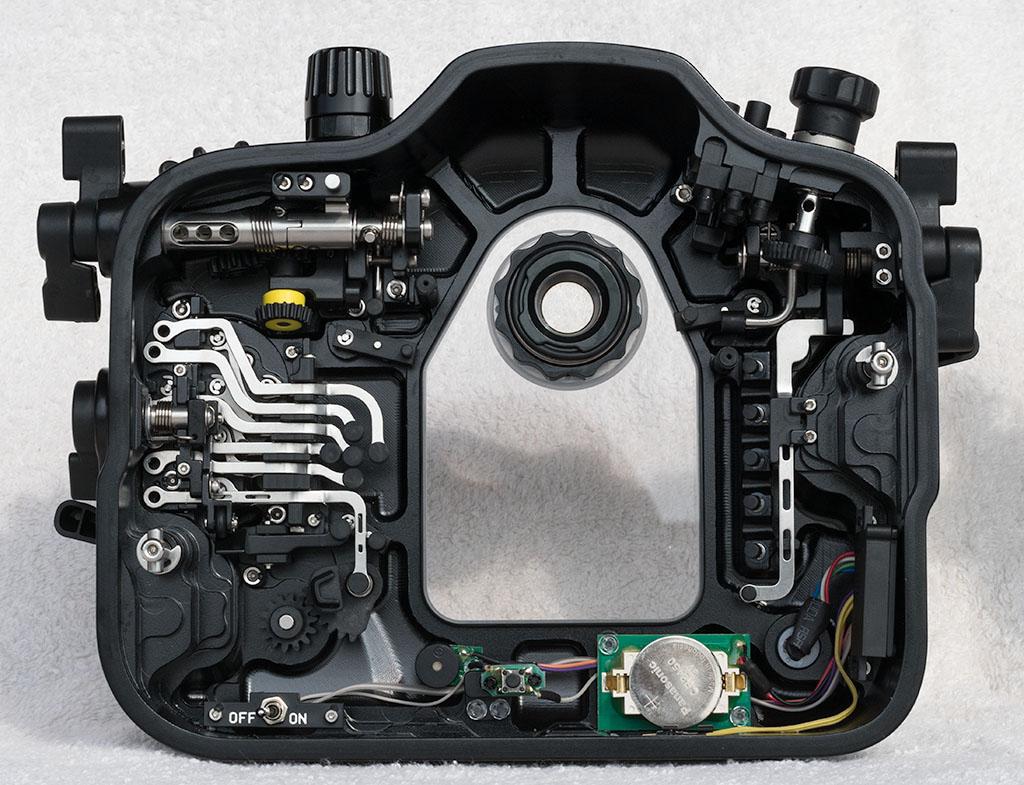 6.NA-D500_inside_back.jpg