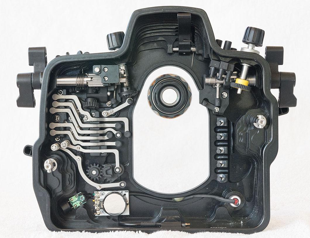 5.NA-D800_inside_back.jpg