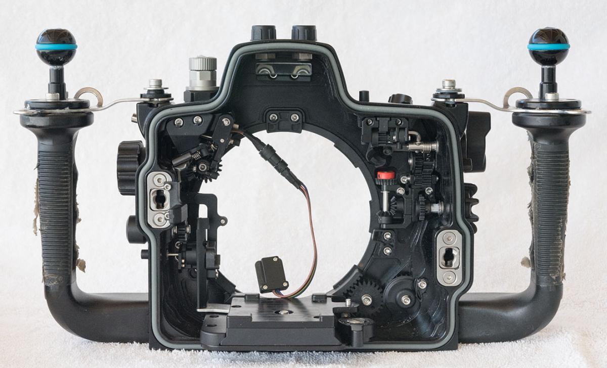 4.NA-D800_inside_front.jpg