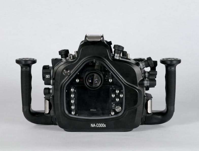 Nikon-D300s-housing.jpg