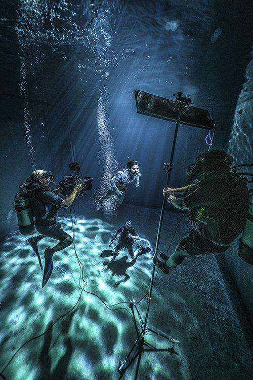 Underwater DOP Zac Macaulay with Simon Neil of Biffy Clyro.jpg