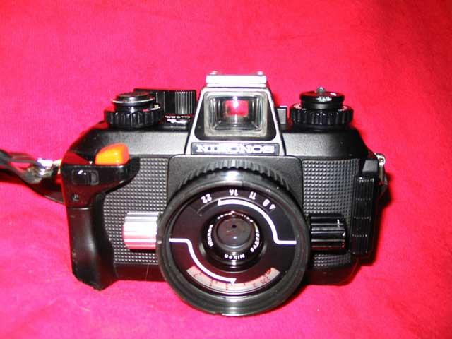 Nikonos_1V_a_Camera_with_35.jpg