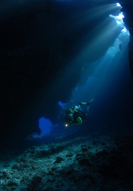 cave_diver.jpg