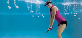 Lexi Thompson recreates Muhammad Ali's famous underwater photo Photo