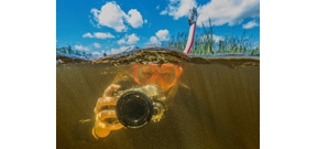 Students find therapy in underwater photography Photo