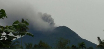 Bali's Mount Agung erupts Photo