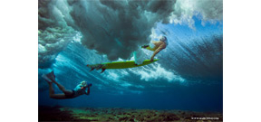 Underwater photo tips from surf photographer Sarah Lee Photo