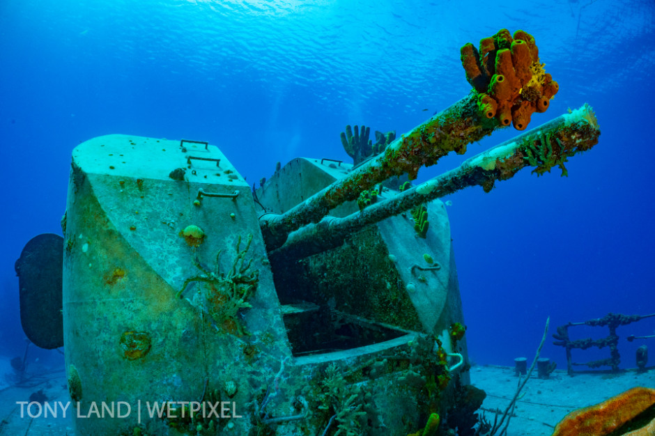 The main deck guns of the MV Kieth Tibbets, Cayman Brac.