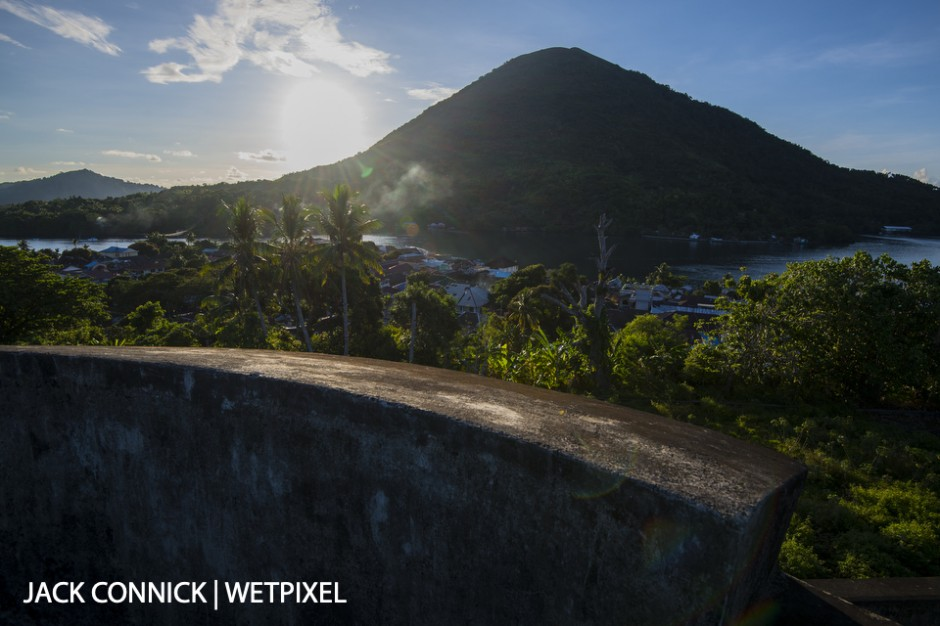 Banda Island volcano from the fort. Nikon 16-35mm lens. ISO 64, f/8 1/160 sec.