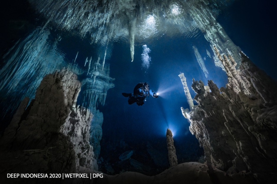 Divers category winner: **Petr Polách** | *Diver in the Magic Temple*