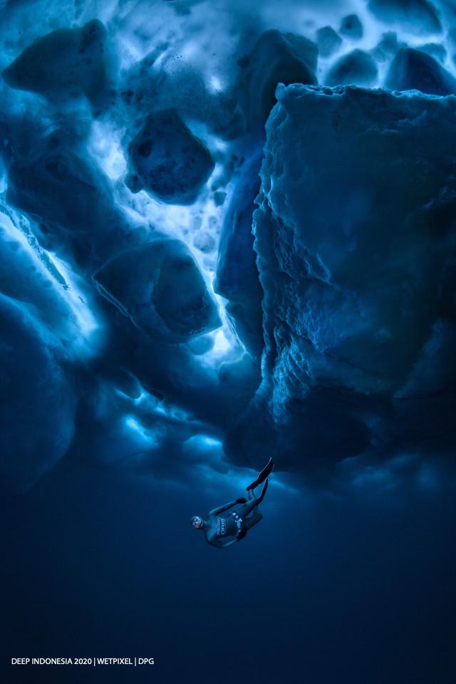Divers category honorable mention: **Alex Dawson**   *Frozen*
