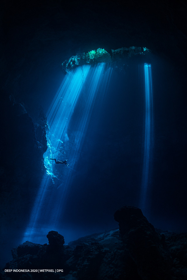 Divers category honorable mention: **Hannes Klostermann** | *The Pit*