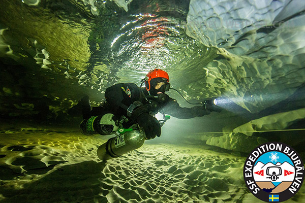 Cave diving in Sweden on Wetpixel