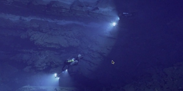 Cave diving videos on Wetpixel